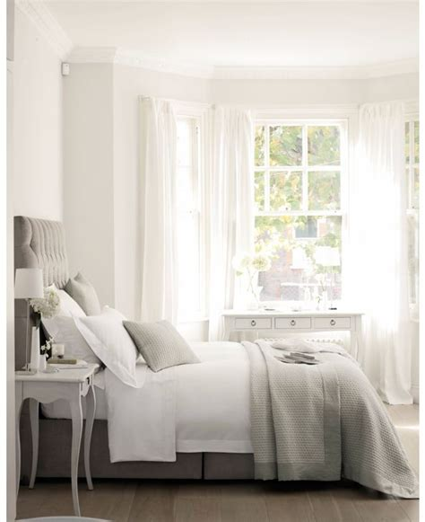 white and gray bedroom 25 best ideas about white gray bedroom on