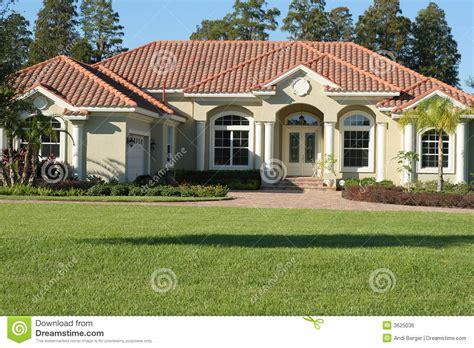 Spanish Villa House Plans bella casa mediterranea di stile immagine stock libera da