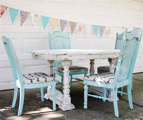 shabby chic tables and chairs diy tips how to create that distressed shabby chic look