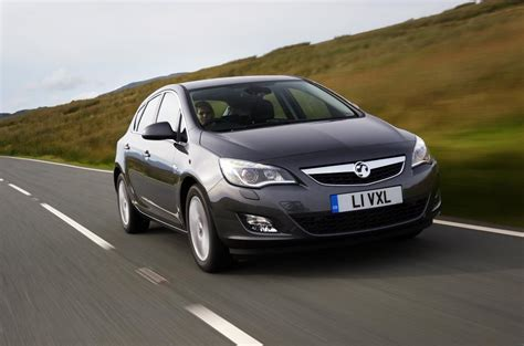 vauxhall astra 1 9 cdti review autocar vauxhall astra 1 6 se review autocar
