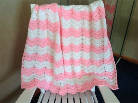 size of baby blanket for crib crochet baby blanket baby crib size crochet blanket