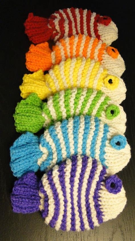free fish knitting patterns you wash your dishes with them knitted dish clothes a