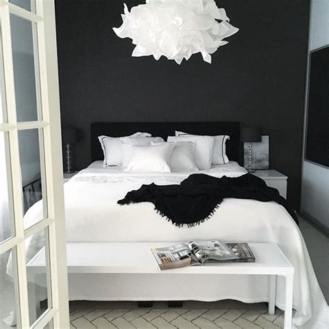bedroom black and white 25 best ideas about black bedrooms on black