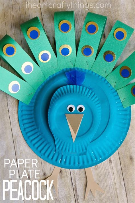 peacock paper plate craft gorgeous paper plate peacock craft i crafty things
