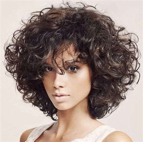 pelo rizado corto con flequillo pelo rizado con flequillo fotos de los cortes de pelo
