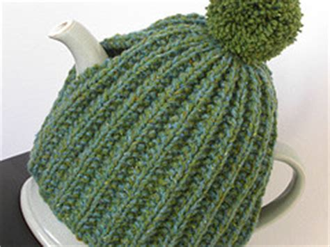 simple tea cosy knitting pattern free tea cosy patterns 6 free patterns loveknitting