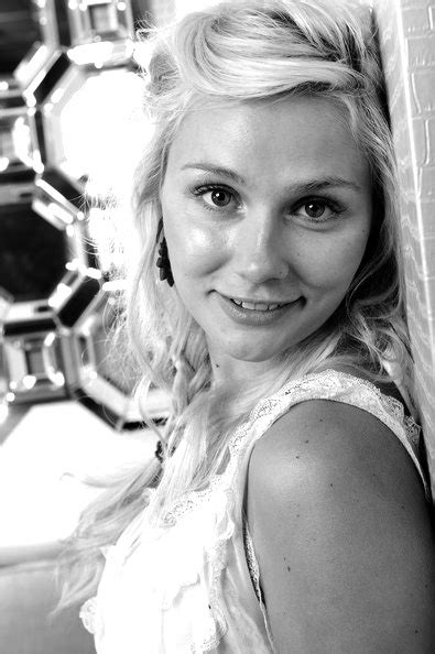 hairstyles from nashville series 9 best images about clare bowen on pinterest her hair