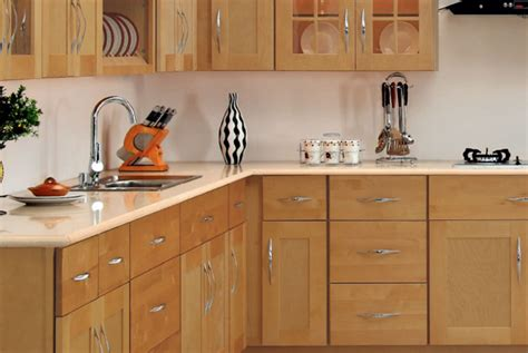 maple shaker kitchen cabinets painting maple kitchen cabinets choose maple kitchen