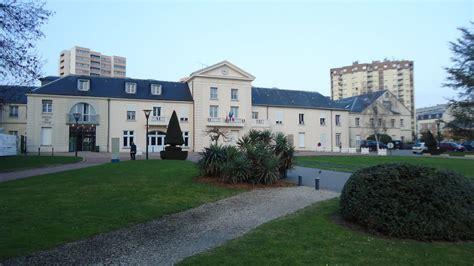 panoramio photo of mairie de chelles