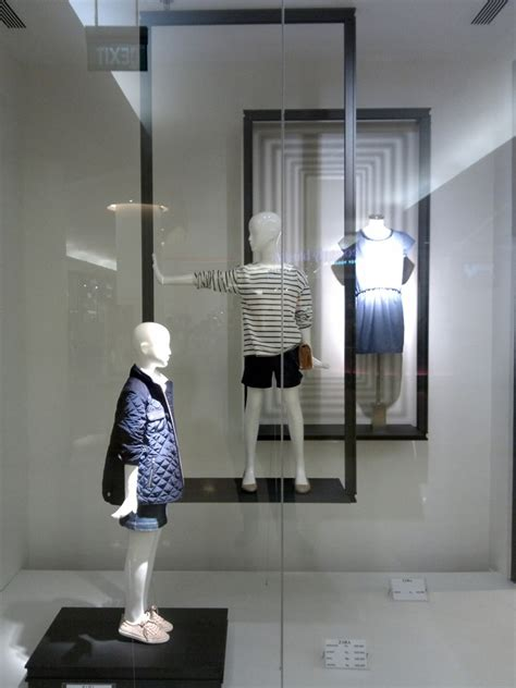 zara indonesia zara summer windows 2013 jakarta 187 retail design