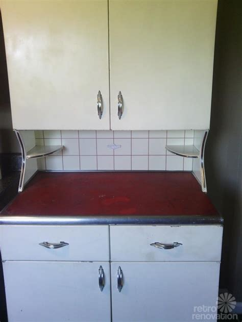 youngstown kitchen cabinets vintage youngstown kitchens metal hutch retro