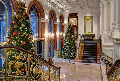 luxury decorated trees trees at luxury hotels around the world pursuitist