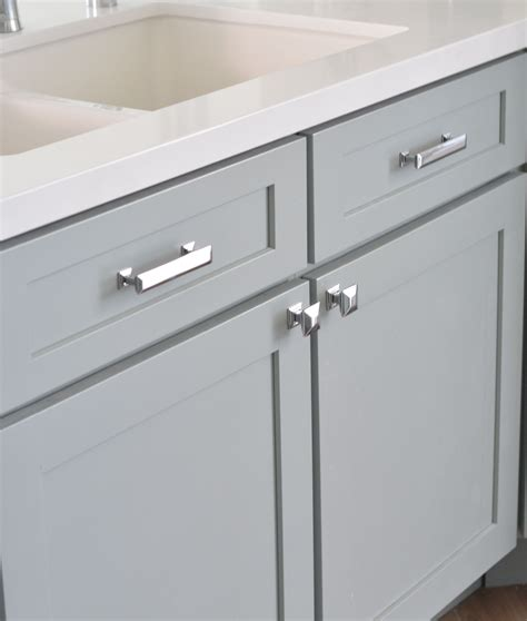 kitchen knobs and pulls ideas cabinet hardware home ideas cabinet hardware hardware and kitchens