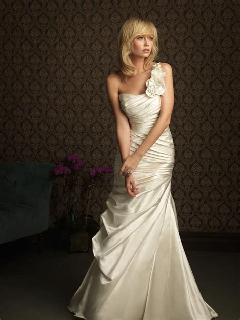 dress for a wedding dress for vow renewal