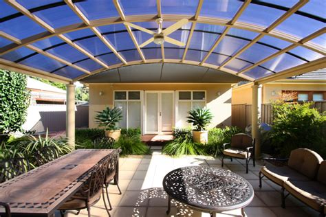roofing for pergolas pergola designs bending a polycarbonate roof softwoods