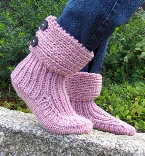 aran sock knitting pattern 17 best ideas about aran weight yarn on