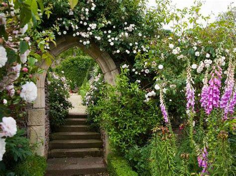 Garden Arch Vines Beatiful Garden Arches Arbors And Pergolas Creating