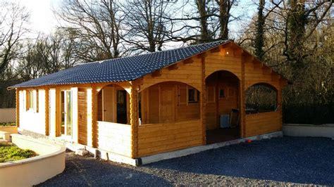 maison bois de 67 m 178 une terrasse couverte d en bois en kit