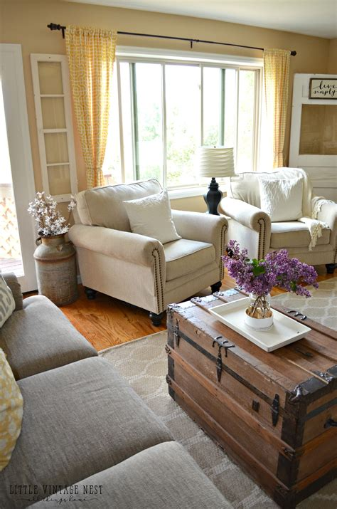 Farmhouse Livingroom how i transitioned to farmhouse style little vintage nest