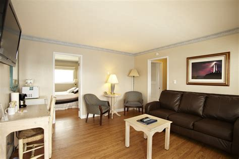 4 Bedroom Apartments San Diego two bedroom living room at inn at sunset cliffs