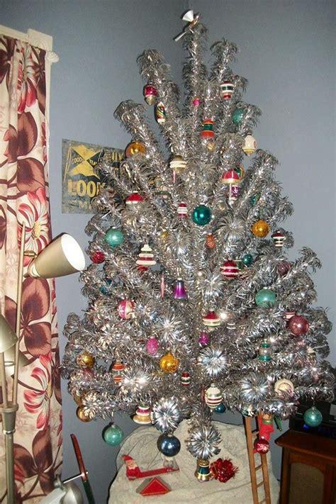 retro decorations ideas 25 unique vintage trees ideas on