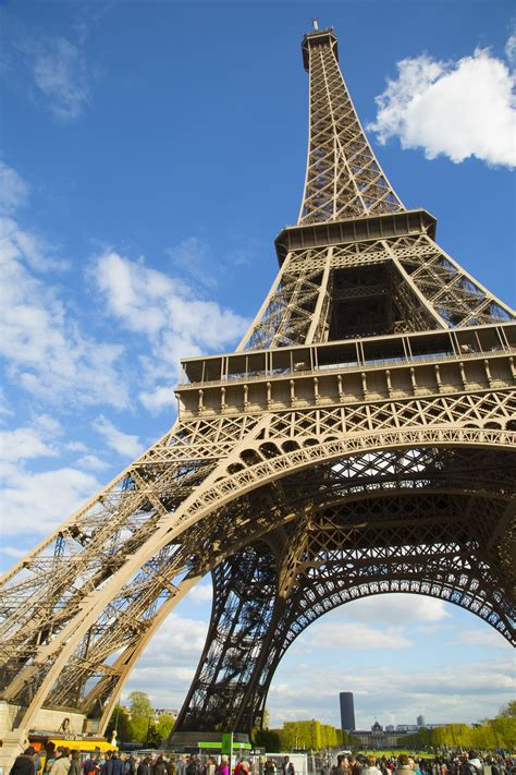 home of the eifell tower homeaway 174 gives travelers a chance to sleep in the eiffel