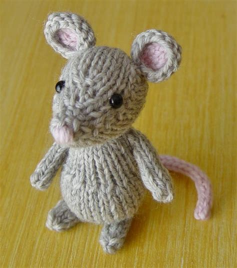 mouse knitting pattern marisol the mouse by yarnigans knitting pattern
