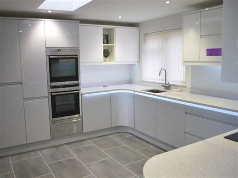 dove grey kitchen cabinets remo dove grey white kitchens by