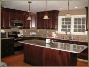 cherry kitchen cabinets 25 best ideas about cherry wood kitchens on