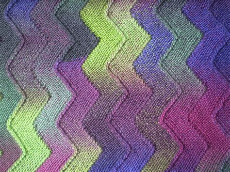 zig zag knitted blanket pattern multi colored yarn free knitting patterns in the loop