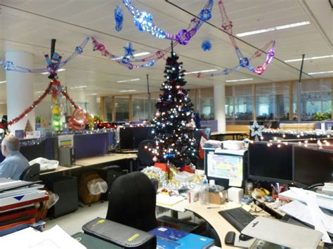 new ideas for tree decorating new year decoration ideas for office that make everybody happy