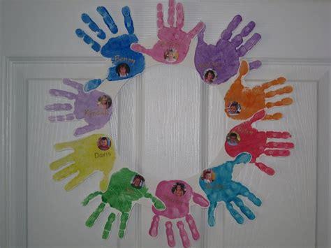 friendship craft ideas friendship wreaths each child did 10 handprints all of the