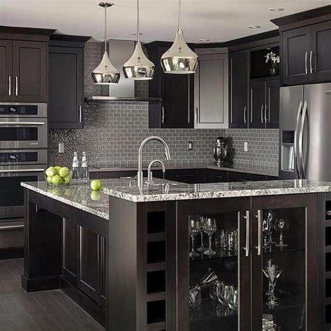 kitchens with black cabinets best 25 black kitchen cabinets ideas on