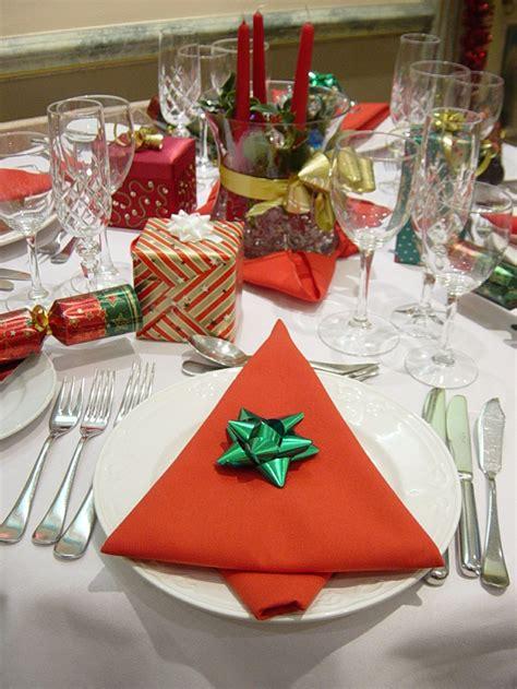 servietten falten weihnachtsbaum servietten falten zu weihnachten 17 ideen mit anleitungen