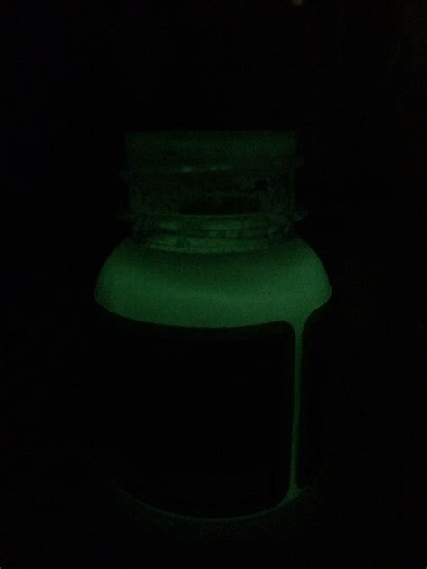 Angelus Green Glow Acrylic Paint Glow In The