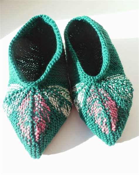knitting slippers socks go left three leaves knitted slippers pattern
