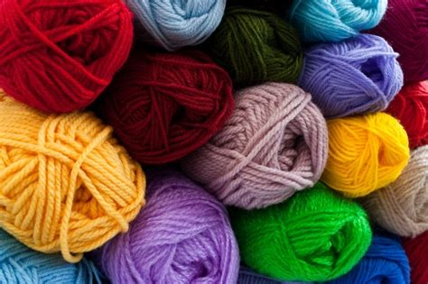 how to knit with yarn how to choose yarn for your next project the gallery