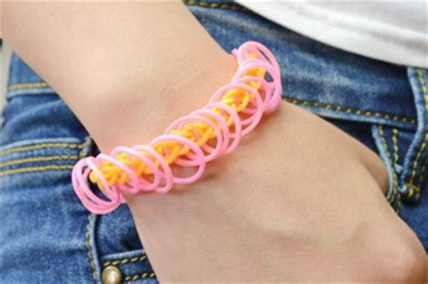 rubber st tutorial easy rubber band bracelet family crafts