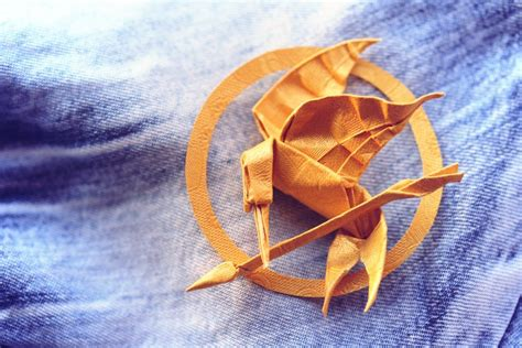 mockingjay origami mockingjay by synconi on deviantart