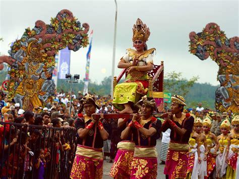 festival painting indonesia bali arts festival