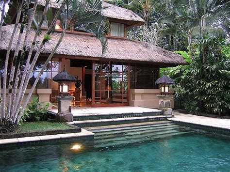 balinese design incorporating the pool into the rear