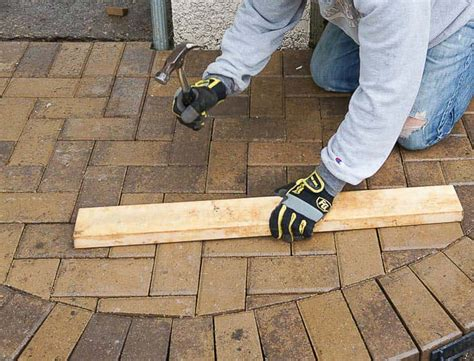 how to lay a paver patio diy how to lay a level brick paver patio corner