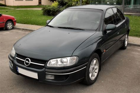 vauxhall omega estate 1994 2003 photos parkers opel frontera 2 2 1995 auto images and specification