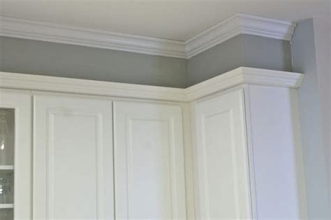 kitchen molding ideas best 25 crown molding kitchen ideas on