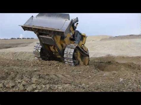 Car Dumper Frozen Coal by 70ton Dumper Stuck In Mud Pulled By D10 Dozer Funnydog Tv