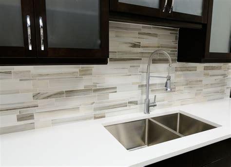 modern white kitchen backsplash 25 best ideas about modern kitchen backsplash on