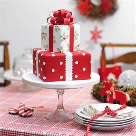 15 creative christmas cake decoration ideas