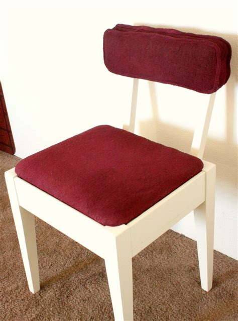 spray painting fabric furniture 1000 images about painting upholstered furniture on