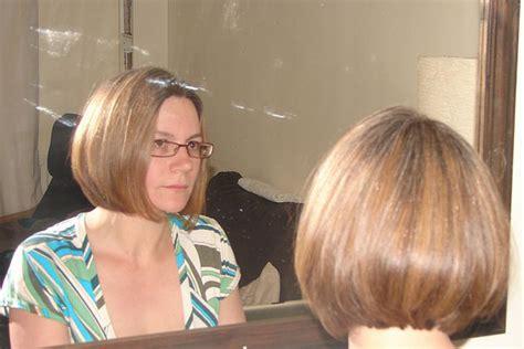 ear length bob hairstyle ear length bob cut hairstyle worn glasses absolutely cool