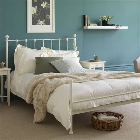 white iron bed frames best 25 white iron beds ideas on vintage bed